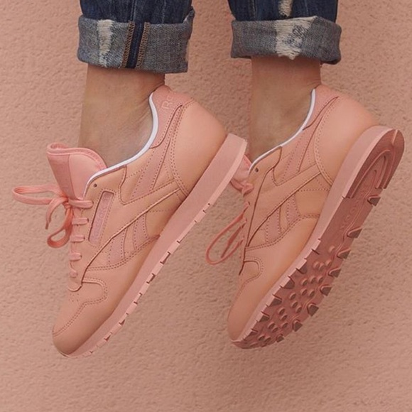new arrival 69315 6d3c4 WB REEBOK CLASSIC PEACH LEATHER TRAINER SNEAKERS